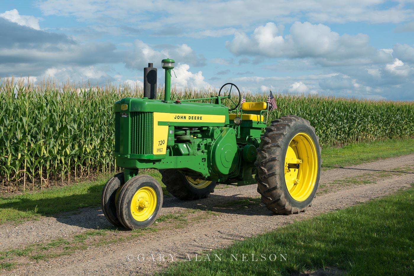 1957 John Deere 720 Diesel