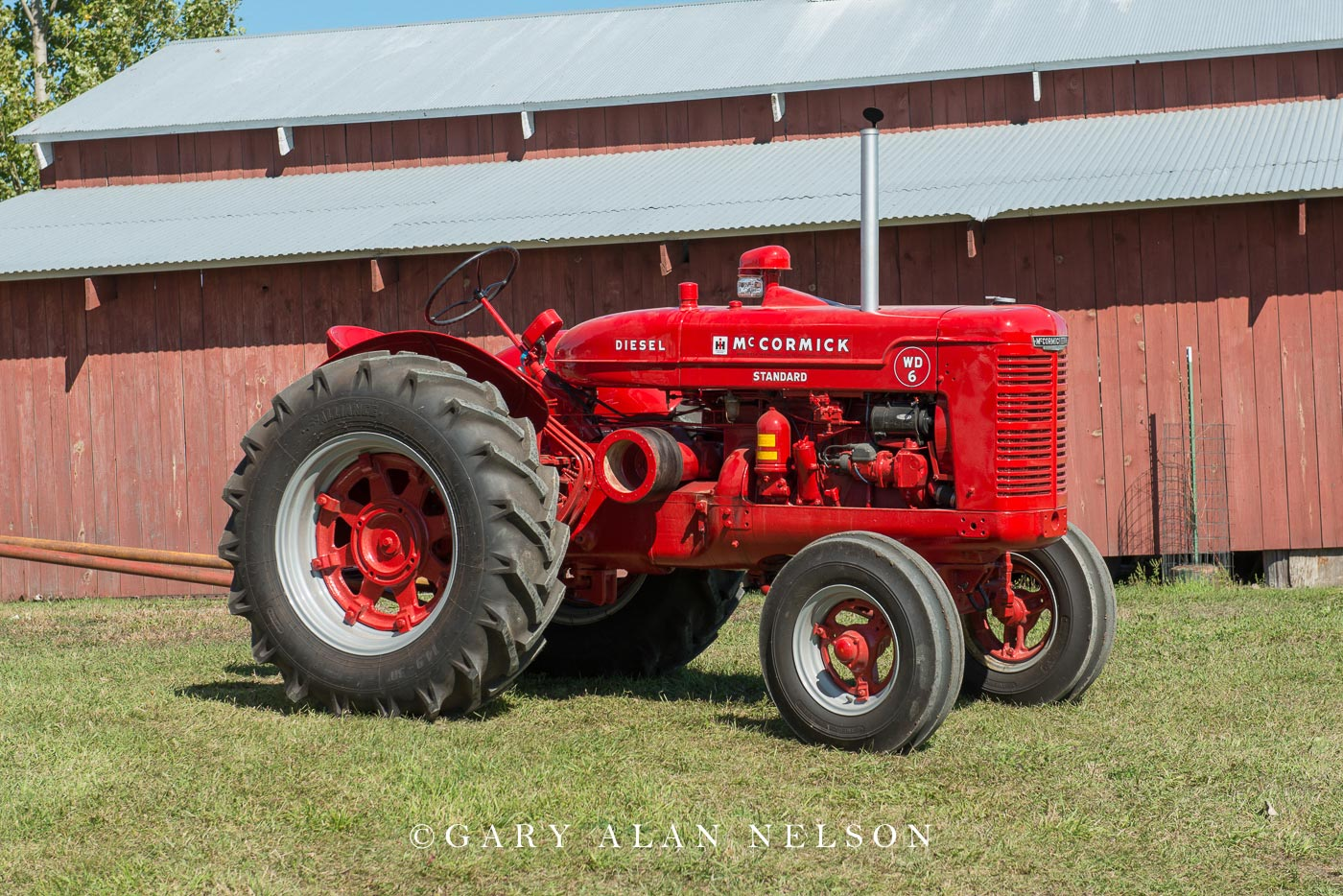 McCormick-Deering, Farmall,antique tractor, photo