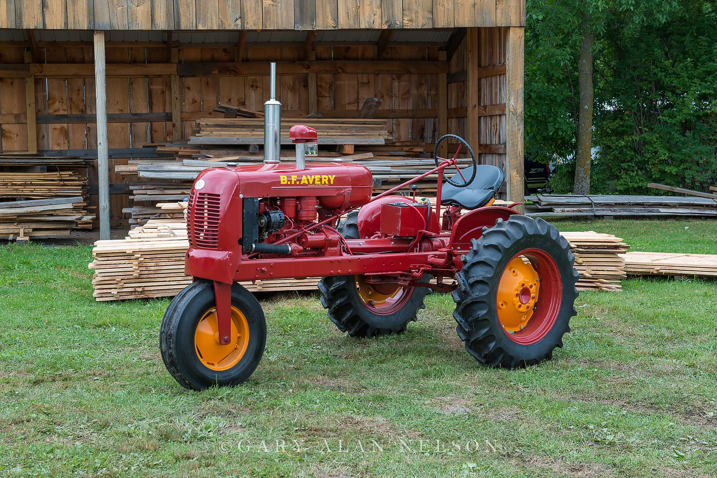 Avery, antique tractor, photo