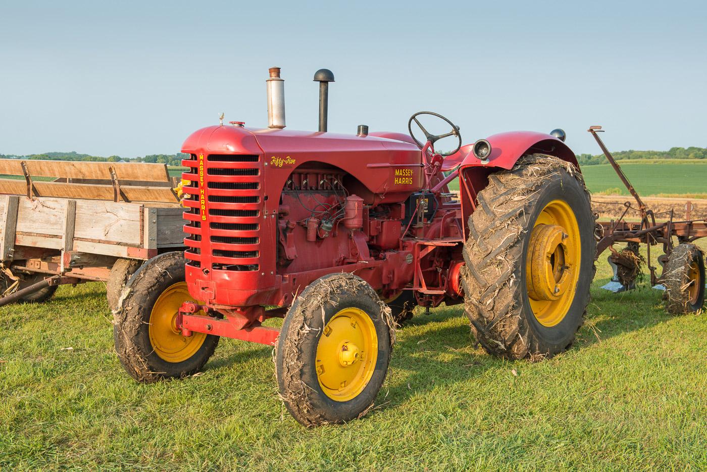 Massey-Harris, antique tractor, tractor, vintage tractor, photo
