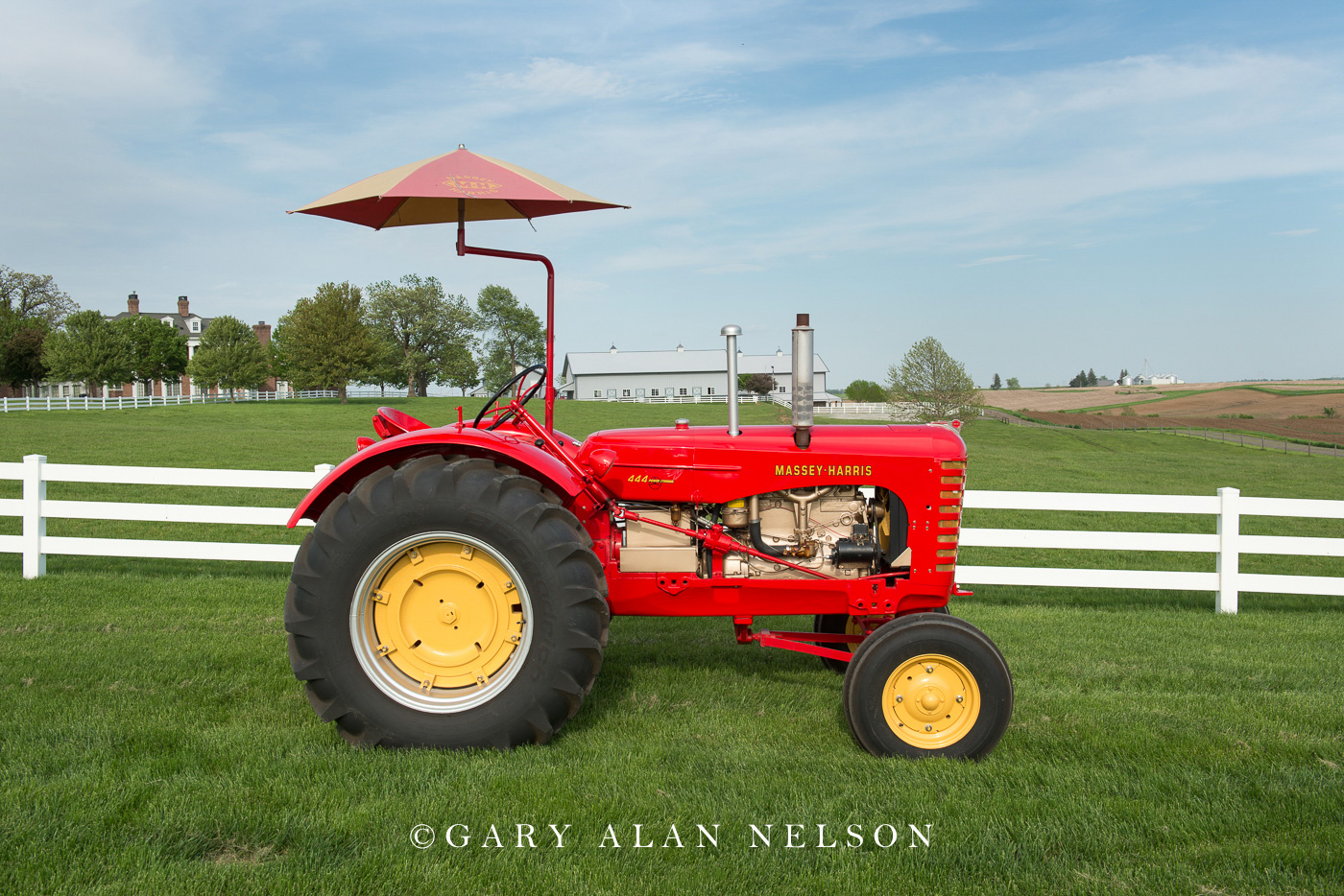 Massey-Harris, antique tractor, vintage tractor, photo