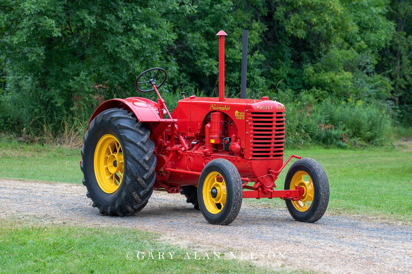 Massey-Harris, antique tractor, photo