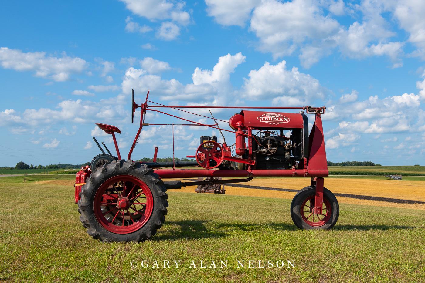 Thieman, antique tractor, photo
