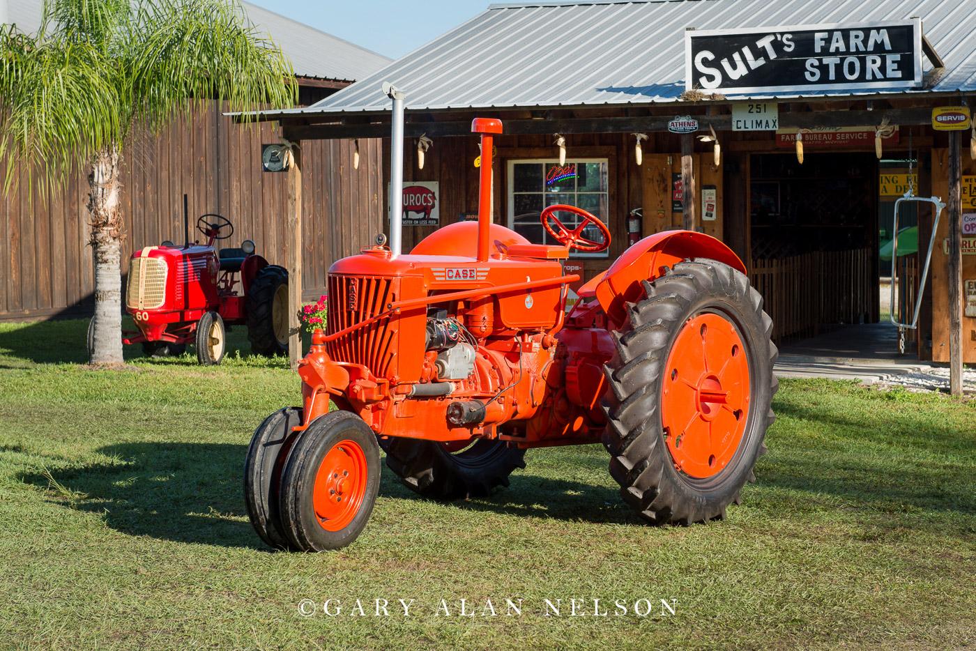 vintage tractors, antique tractors, Case, photo