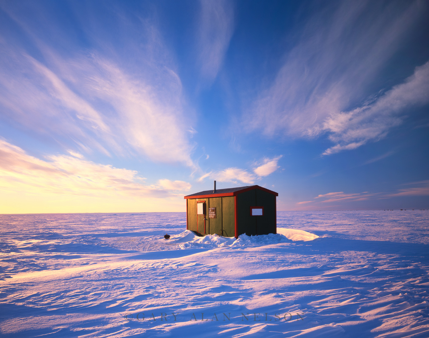 Fish house on mille lacs mille lacs lake minnesota for Lake mille lacs ice fishing