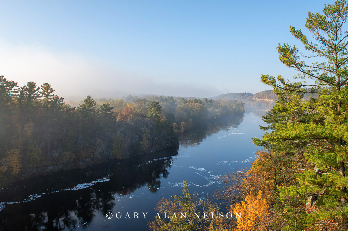Sunrise, autum and fog over the St. Croix River, St. Croix National and Scenic River, Minnesota/Wisconsin