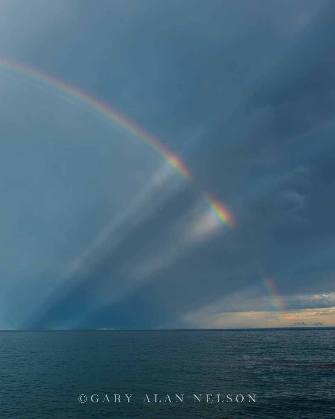 rainbow, minnesota, sun rays, lake superior, photo
