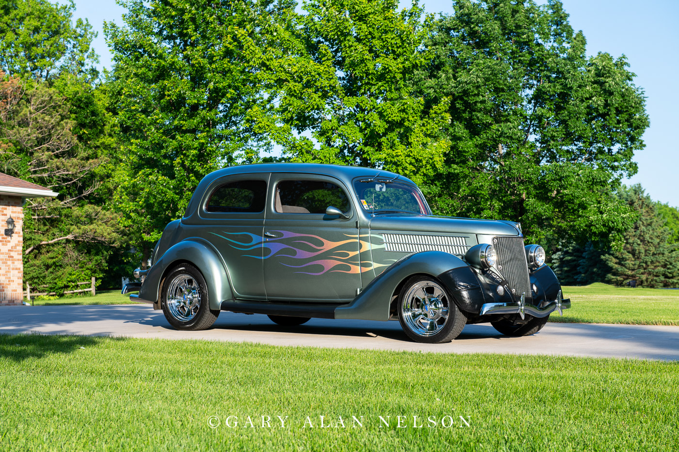 1936 Ford Humpback 2-Door Touring Sedan