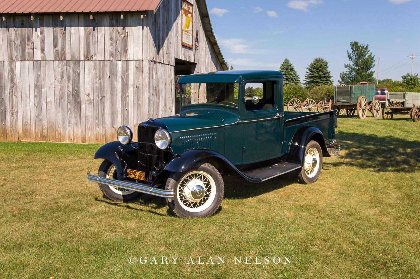 AT-07-39-FO 1932 Ford Model B Pickup