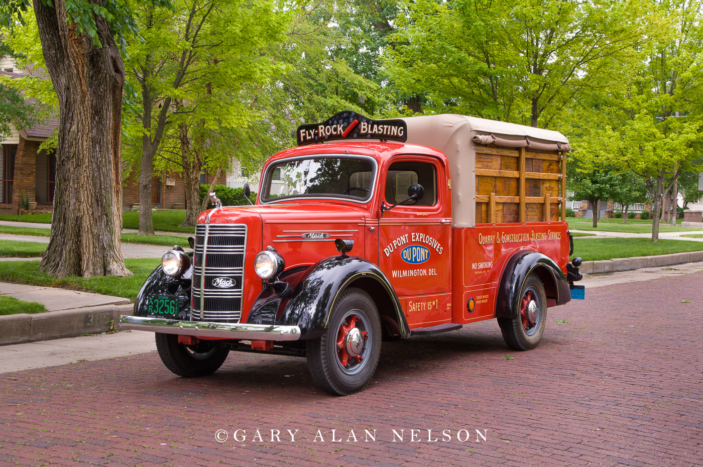VT-08-70-MA 1940 Mack ED