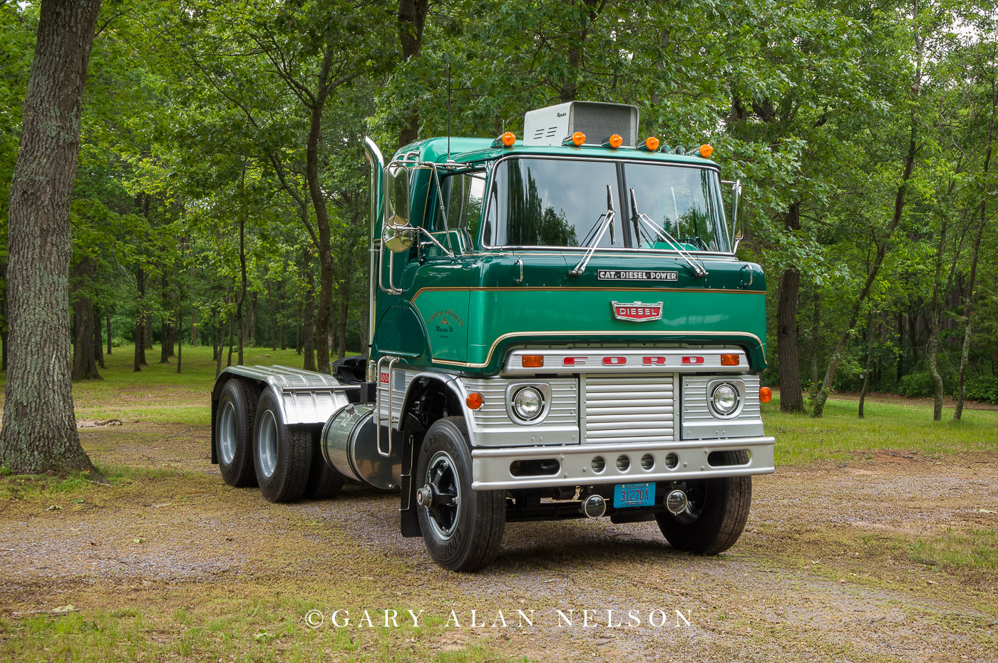 VT-10-13-FO 1966 Ford H Model with a 1673 240-hp Cat engine
