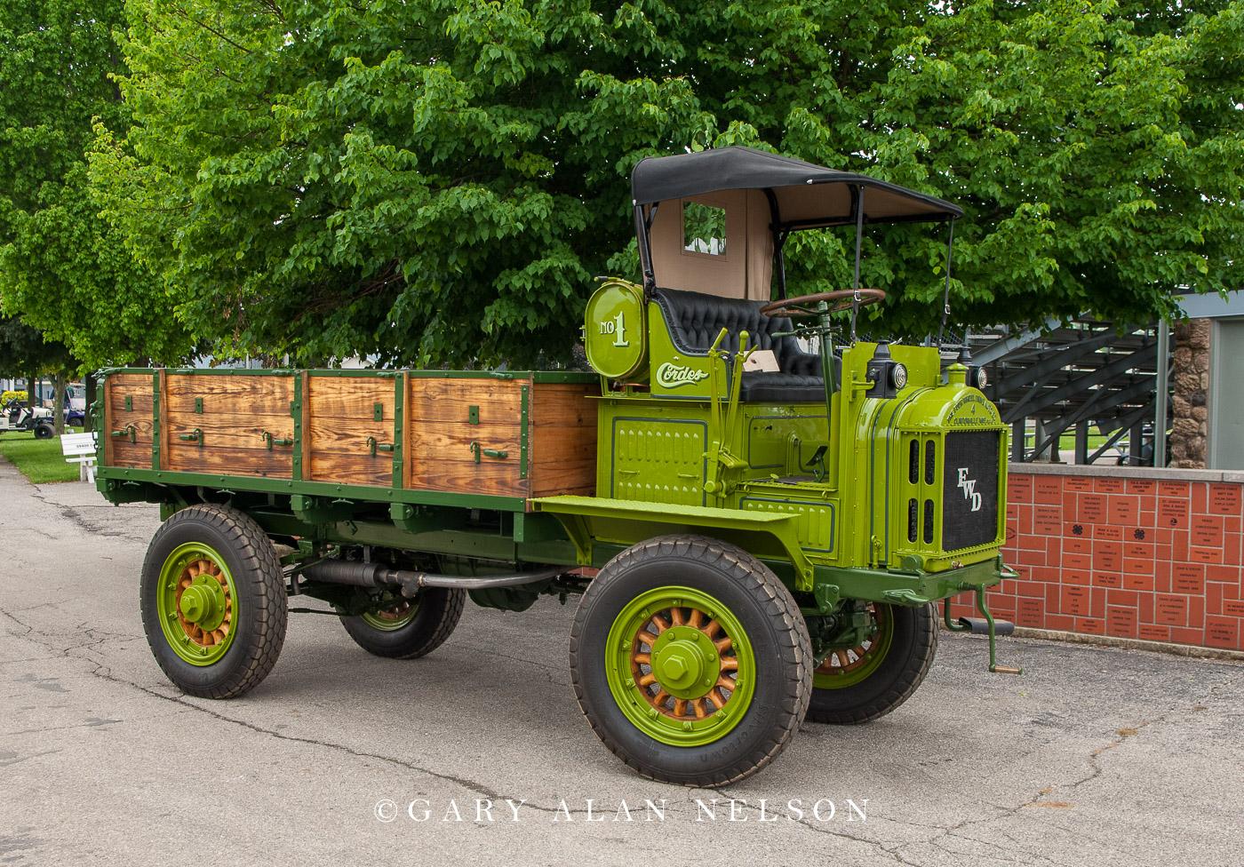 VT-11-23-FW 1917 FWD (The Four Wheel Drive Auto Company) B-1917
