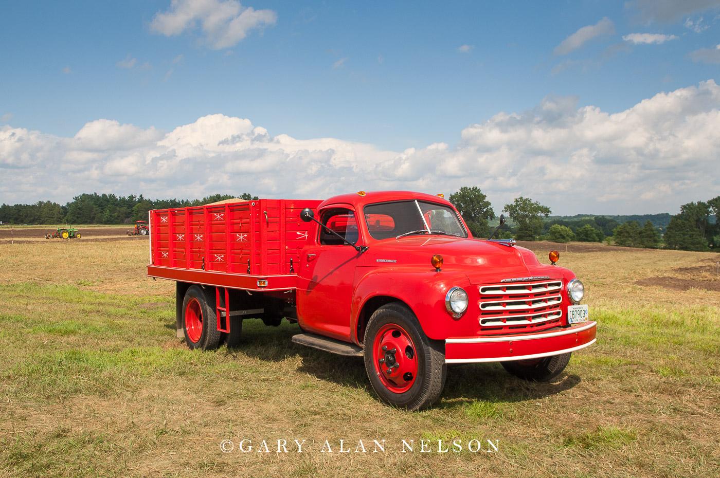 VT-11-91-ST 1949 Studebaker R 16 A Grain Truck