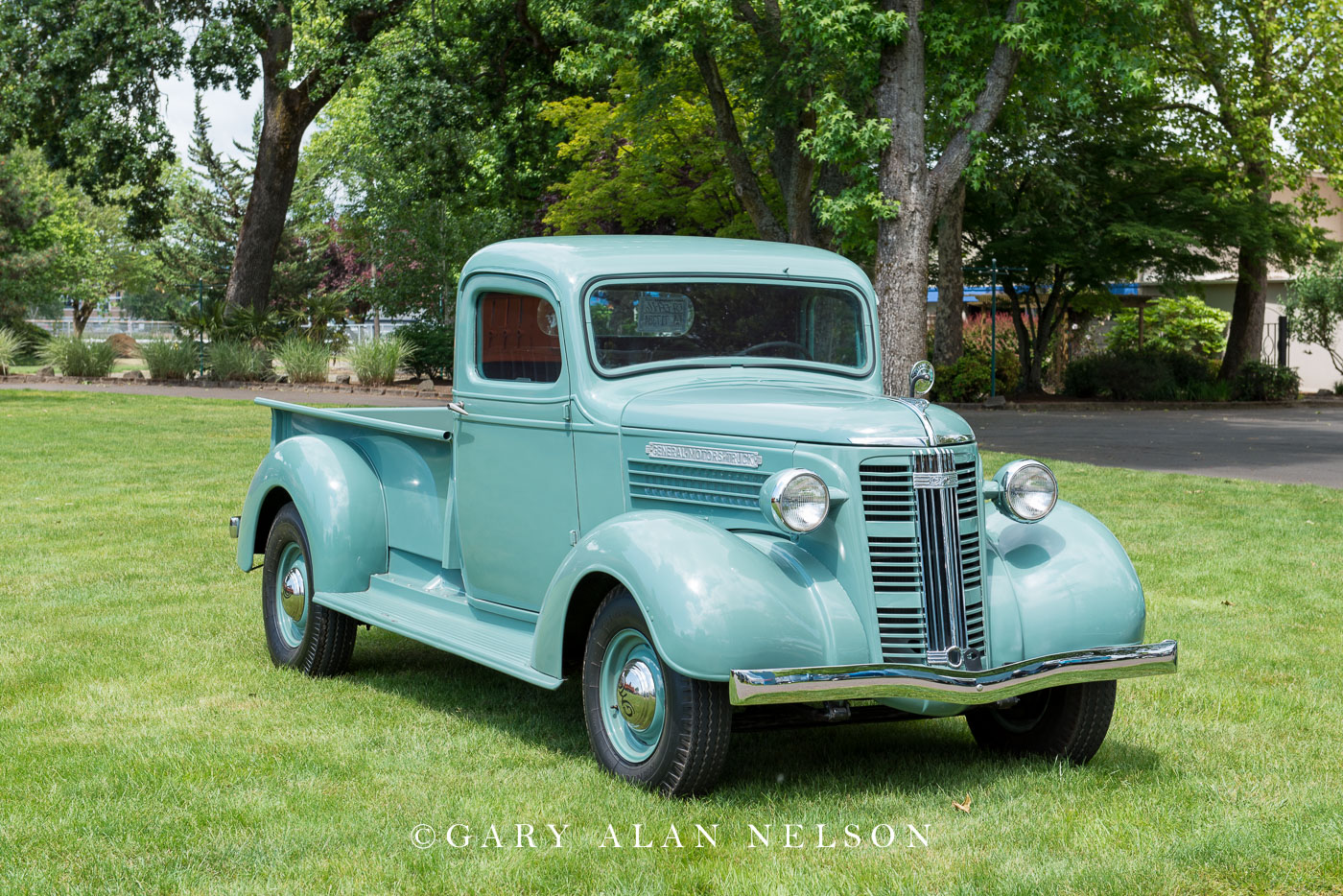 GMC, antique trucks, vintage trucks, photo