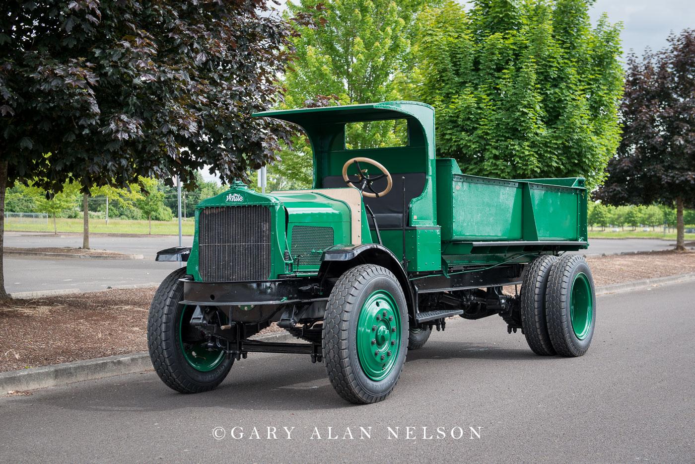 antique trucks, vintage trucks, photo