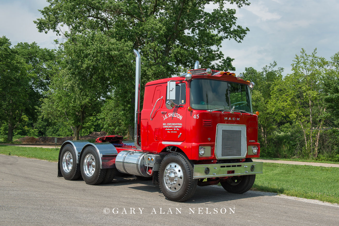1973 Mack FS795LST