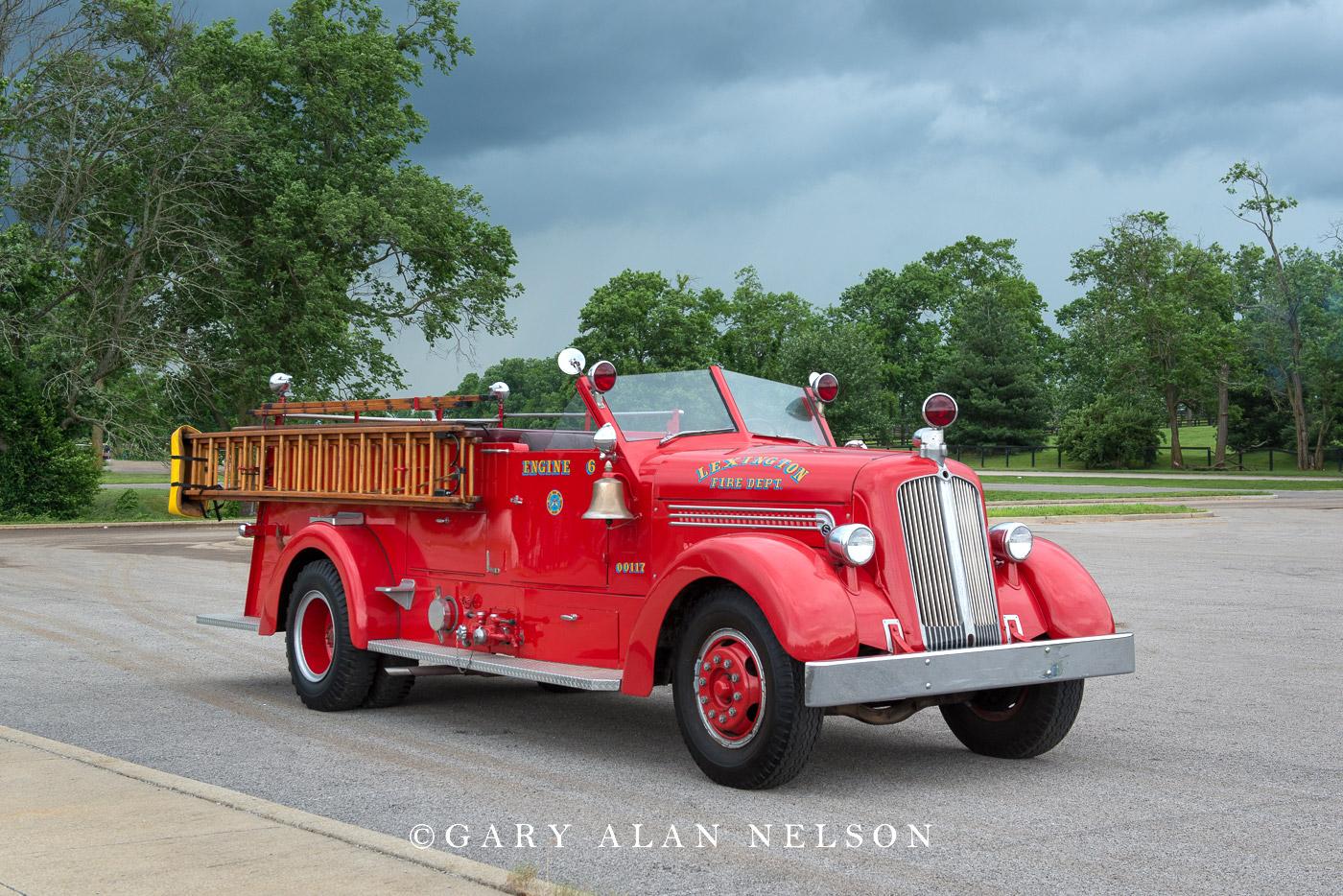 1949 Seagraves Model 66EB ladder truck