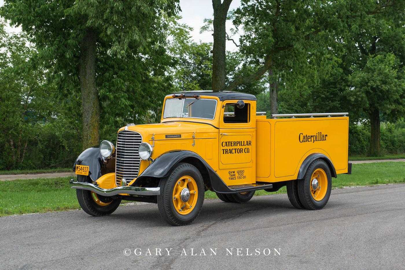 antique truck, vintage truck,  Diamond T, pickup, Diamond T pickup, photo