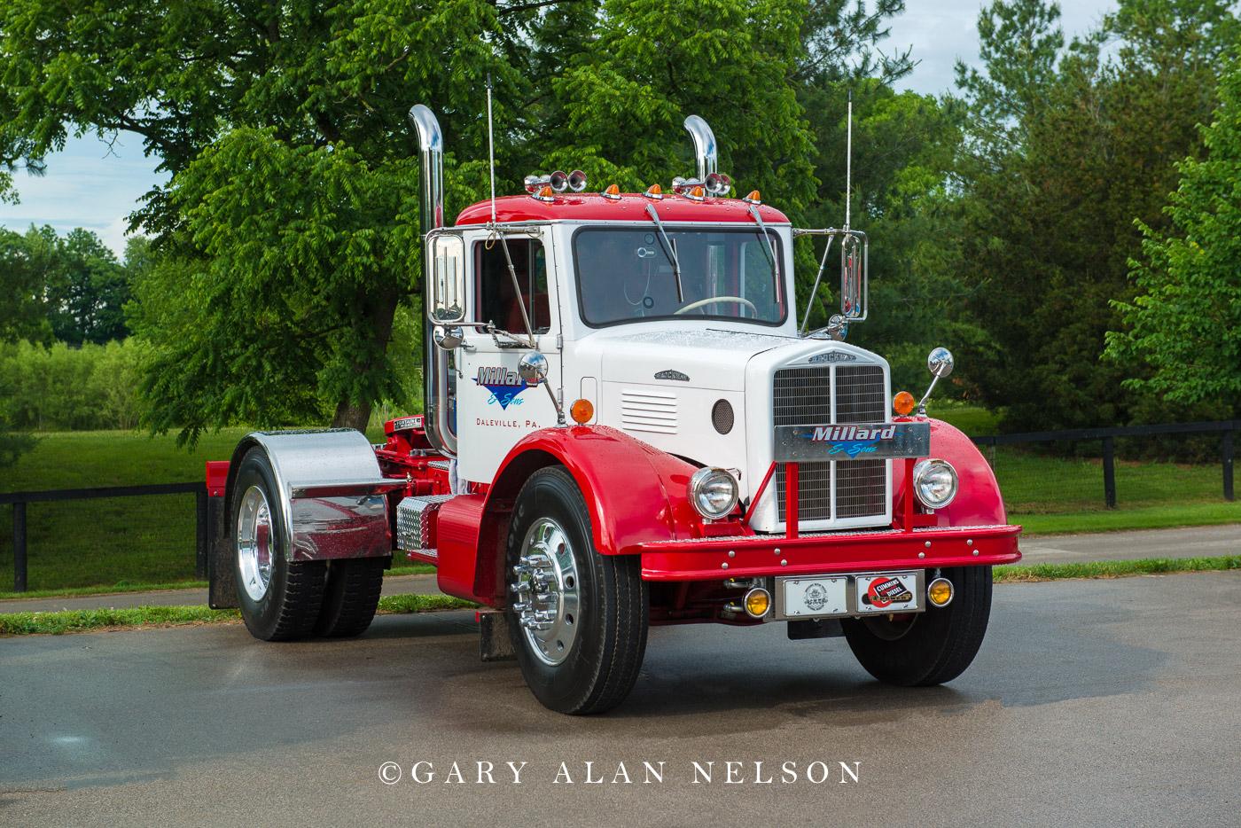 antique truck, vintage truck, brockway, photo