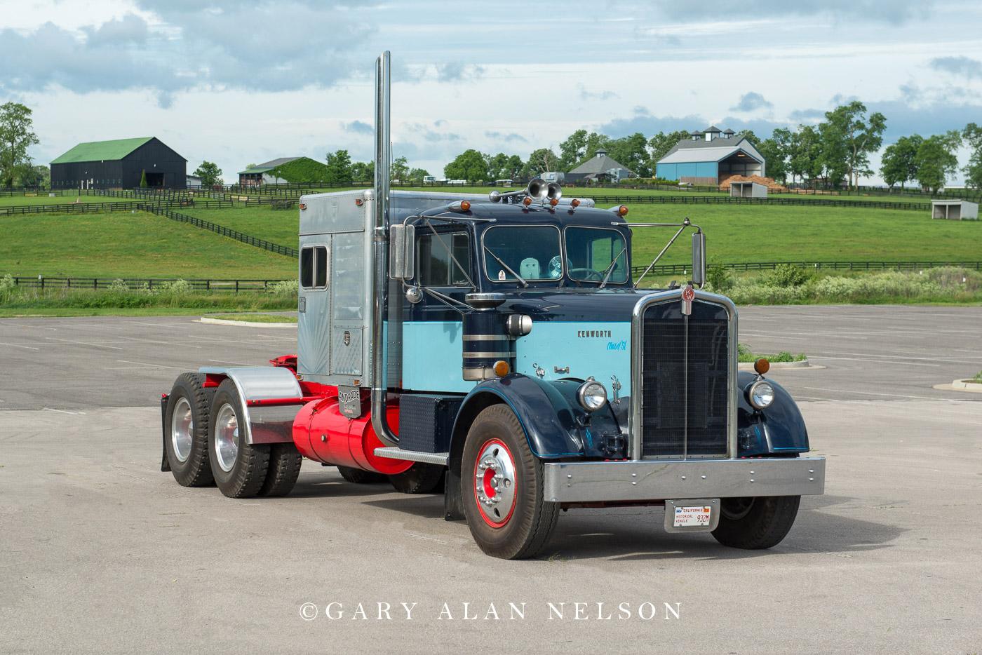 antique truck, vintage truck, Kenworth, photo
