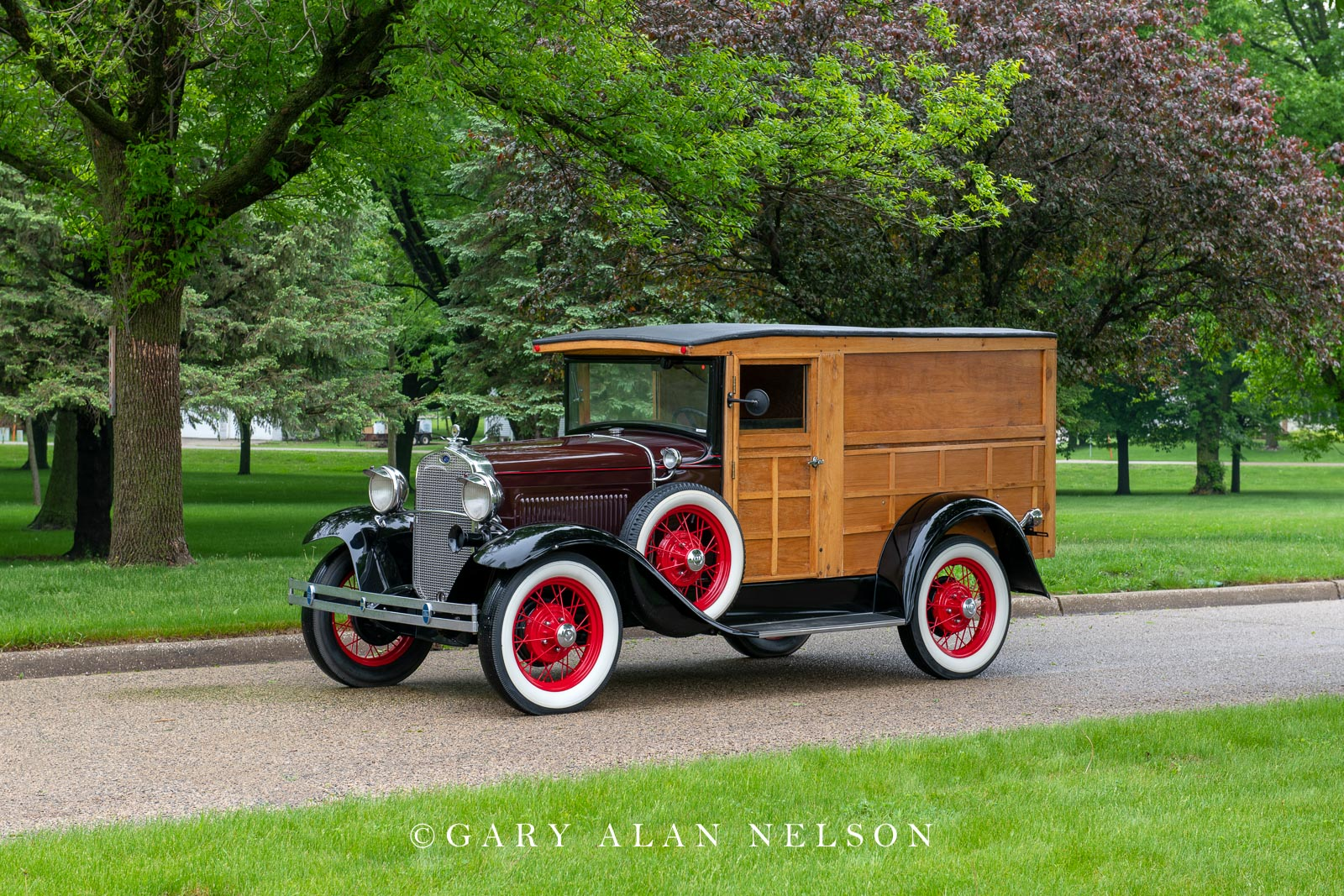 Ford, antique truck, vintage truck,1930 Ford Model A Woodie Panel Truck, photo