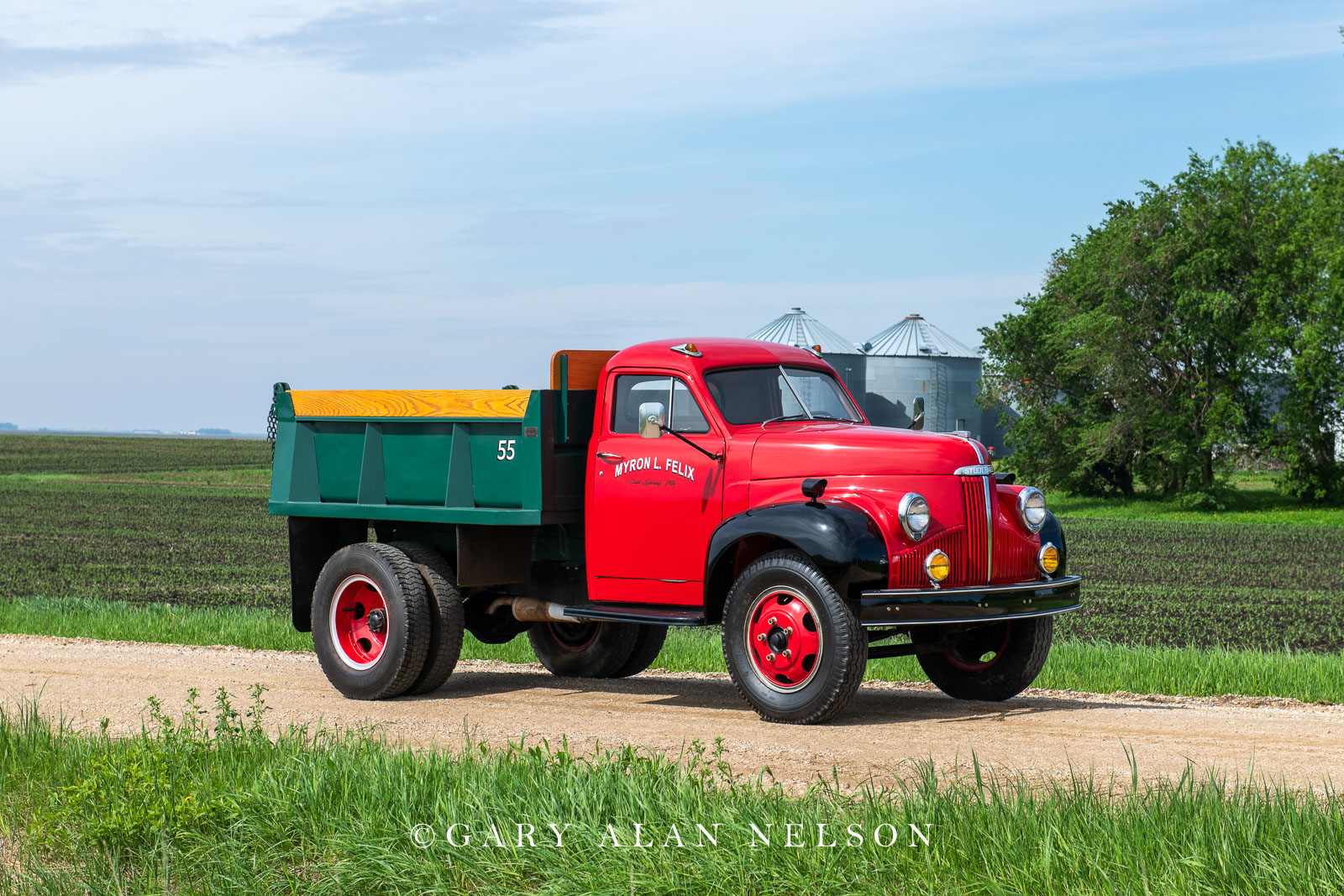Studebaker, antique trucks, vintage trucks,1948 Studebaker M-16 Dump Truck, photo